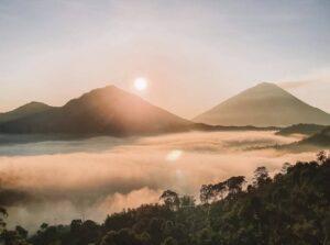 バリ島バトゥール山の景色